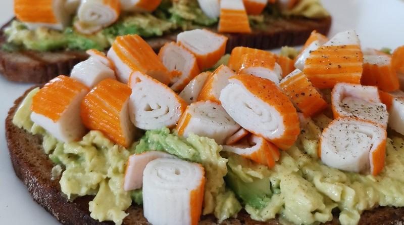 """Bruschetta avocado e surimi con """"Le ricette di Kiki"""""""